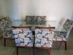 mesa de vidro com 6 cadeiras