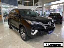 Toyota Hilux SW4 2.8 At - 7 Lugares