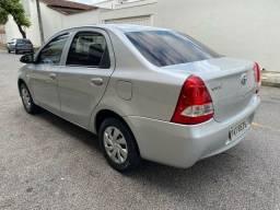 Etios 1.5 sedan automatico