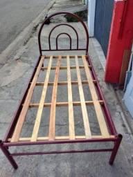 Cama de solteiro ferro