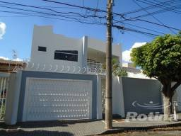 Casa para aluguel, 5 quartos, 1 suíte, 4 vagas, Brasil - Uberlândia/MG