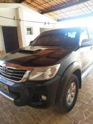 Toyota Hilux SRV 4x4 2014 - Para Pessoas Exigentes - 95 Mil Rodados