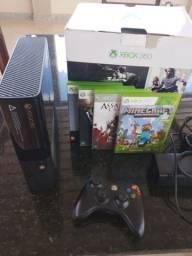 Vendo console semi-novo Xbox 360 acompanha + Quatro jogos..
