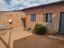 Vendo casa pego carro no negócio fica em barreiras Bahia no setor santo António