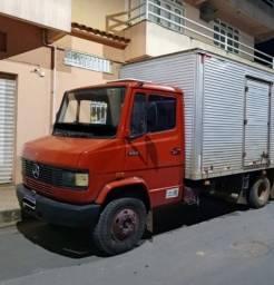 Mercedes 709 Baú - ano 94