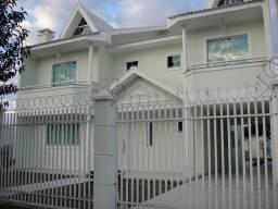 Título do anúncio: Sobrado para venda possui 420 metros quadrados com 4 quartos em Novo Mundo - Curitiba - PR