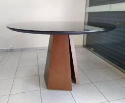 Mesa redonda em vidro preto 120cm com pé em madeira
