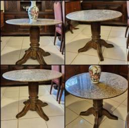 Vende-se uma mesa