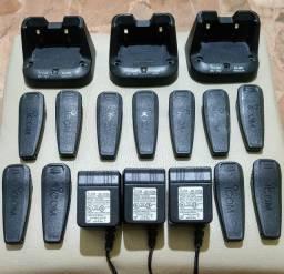Clip de Bateria e Carregadores Originais para Rádios Icom