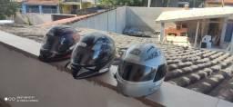 3 capacetes usados em bom estado