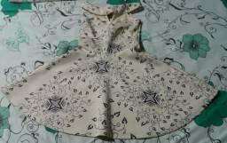 Vendo um vestido rodado