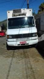 Caminhão 710 - 2002
