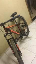 Bicicleta aro 29 freio shimano hidráulico zera dois meses de uso