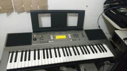 Lindo teclado arranjador Yamaha PSR E353muito conservado