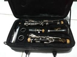 Clarinete Eagle semi-novo com boquilha Yamaha 7C