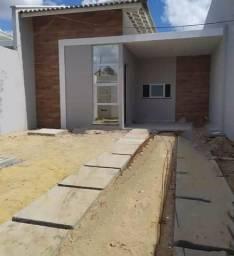 Casa em rua privativa, 3 quartos 2 vagas 2 banheiros centro de Eusébio