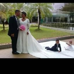 04496b62b7 Aluguel de vestido e ternos pra no noivos
