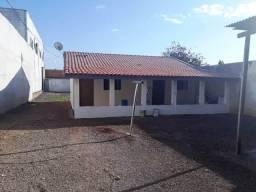 Saraju aluga lote com área construída no Guatupê Ref. 702.19FI