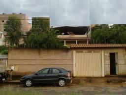 Casa Bairro Cidade Nova, 3 qts, 95 m², 2 vgs garagem, quintal. Valor 350 mil