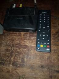 Vendo uma TV com o converso e controle 29 polegadas