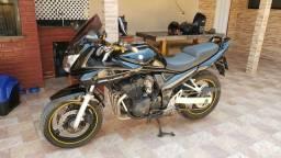 Vendo ou troco por moto esportiva no mesmo nivel bandit 650