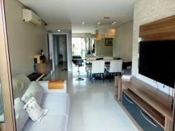 Apartamento na Avenida Jorge Amado no Condomínio Tivoli