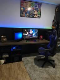 Escrivaninha / quarto gamer
