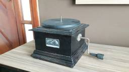 Gramofone antigo incompleto