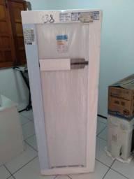 Refrigerador Esmaltec RCD34 276 litros  duas portas