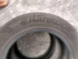 Vendo par de pneus 235/55/17 100