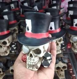Caveira Decorativa Poker em Resina