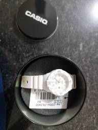 Casio LRW-200H-7E2VDF relógio feminino