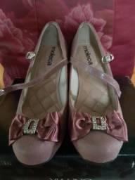 Sapato com salto modelo boneca
