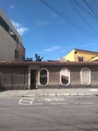 Terreno c/ casa - Itapoã
