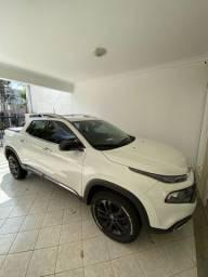 Vende-se Fiat Toro volcano 2.4 flex 2018/19 na cor branco