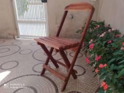 Cadeiras  artesanais de pinus dobraveis.