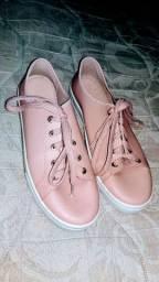 Sapato da marca Moleca tamanho 40