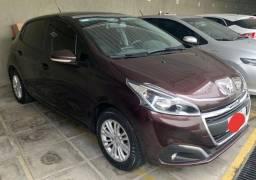Peugeot 208 Allure 1.6 automático. Teto de vidro