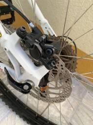 Bicicleta aro 29 grupo Shimano deore