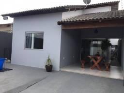 Casa para venda tem 126 metros quadrados com 3 quartos em Santa Rita - Eunápolis - BA