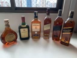 Whiskies escoceses antigos.