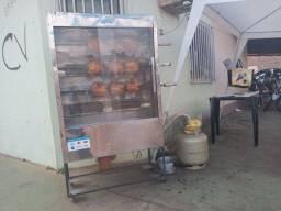 Maquina de assar frango $ 1.400