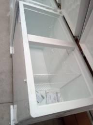 411 litros freezer Horizontal.
