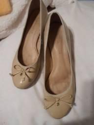 Título do anúncio: Sapato de saltinho da Raphaella Booz