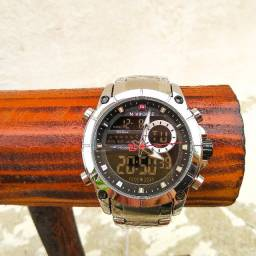 Relógio Naviforce Prata Resistente