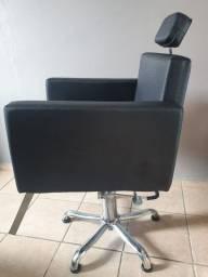 Poltrona cadeira reclinável  para barbeiro e salão. (usado)