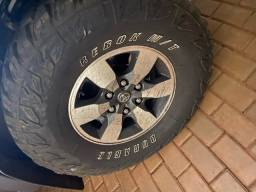 Vende pneu usado