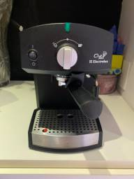 Cafeteira expresso Electrolux