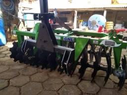 Tratores e máquinas agrícolas.