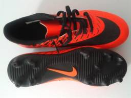 7aab474dd2 Chuteiras Nike nº 39 mod. Nike Bravata II FG 844436-808 NOVA
